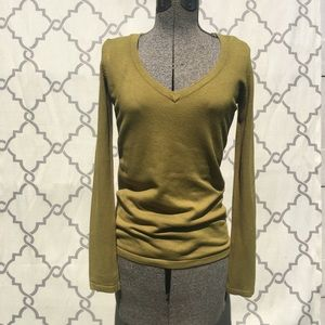 Women's olive sweater size s/small